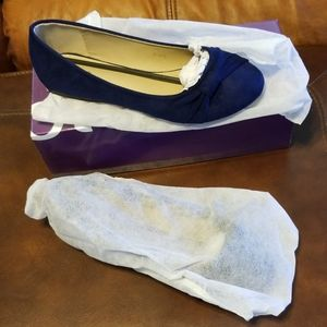 Ollio Ballet Style Shoes (new in box)